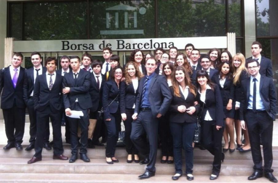 El professor Jordi Andreu ha convertit els alumnes  en directius d'una empresa de consultoria.