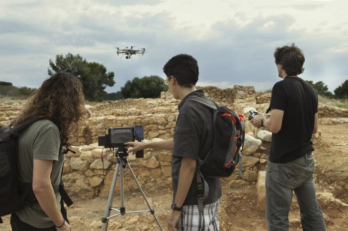 José Javier Barceló i Oscar Ferré han presentat un conjunt d'imatges aèries fetes amb una càmera sobre un drone i unes altres des de terra.