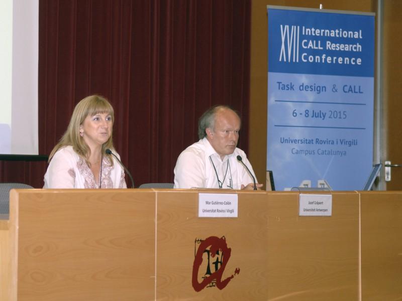 Mar Gutiérrez-Colón, professora a la URV, i Jozef Colpaert, professor a la Universitat d'Antwerp.