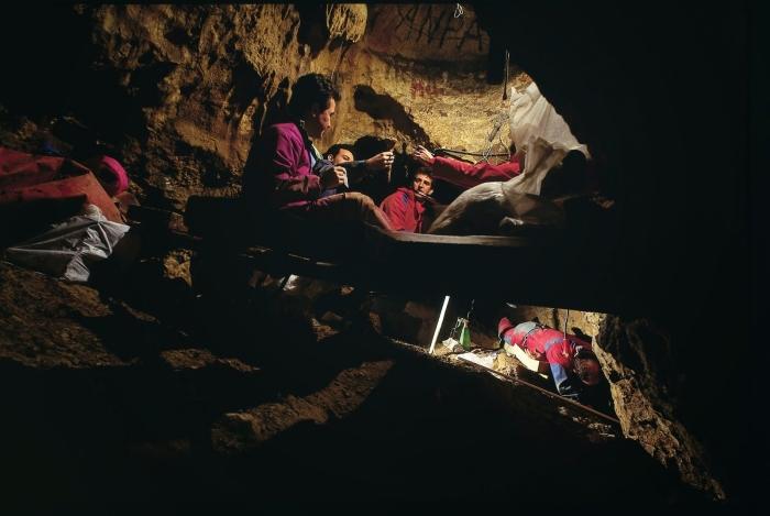 Excavacions a la Sima de los Huesos, un lloc de difícil accés. / Javier Trueba