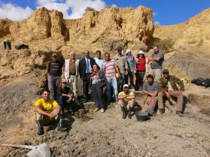 Membres de l'equip de la campanya d'excavació.
