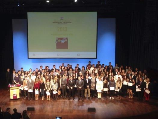 Los Premis De Recerca Jove Galardonan Ocho Alumnos Y Dos
