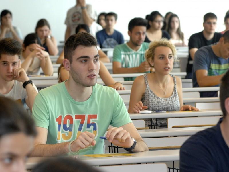 Imatge dels estudiants a les PAU del juny, al campus Catalunya.