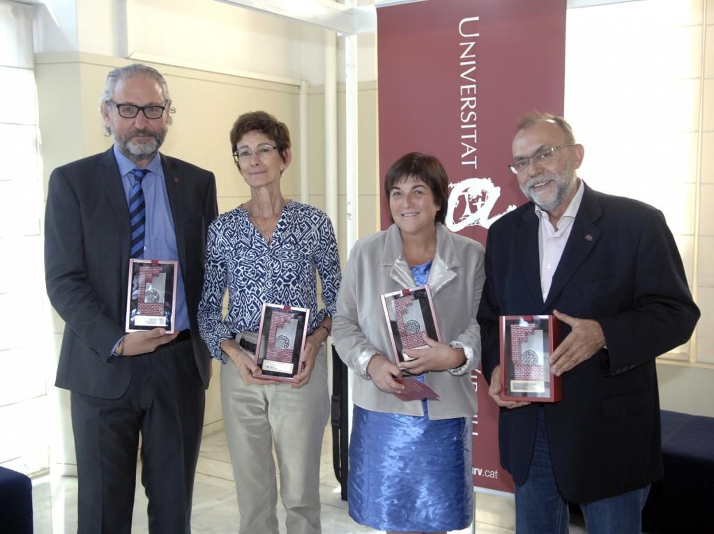 Els professors distingits enguany, d'esquerra a dreta: Azael Fabregat, Marta Schuhmacher, Rosa Solà i Joan Josep Pujadas.