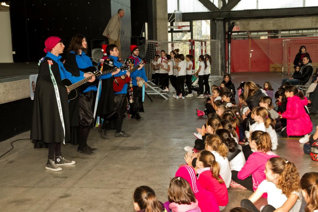 Les actuacions no van faltar a l'acte solidari de diumenge, a Tortosa.
