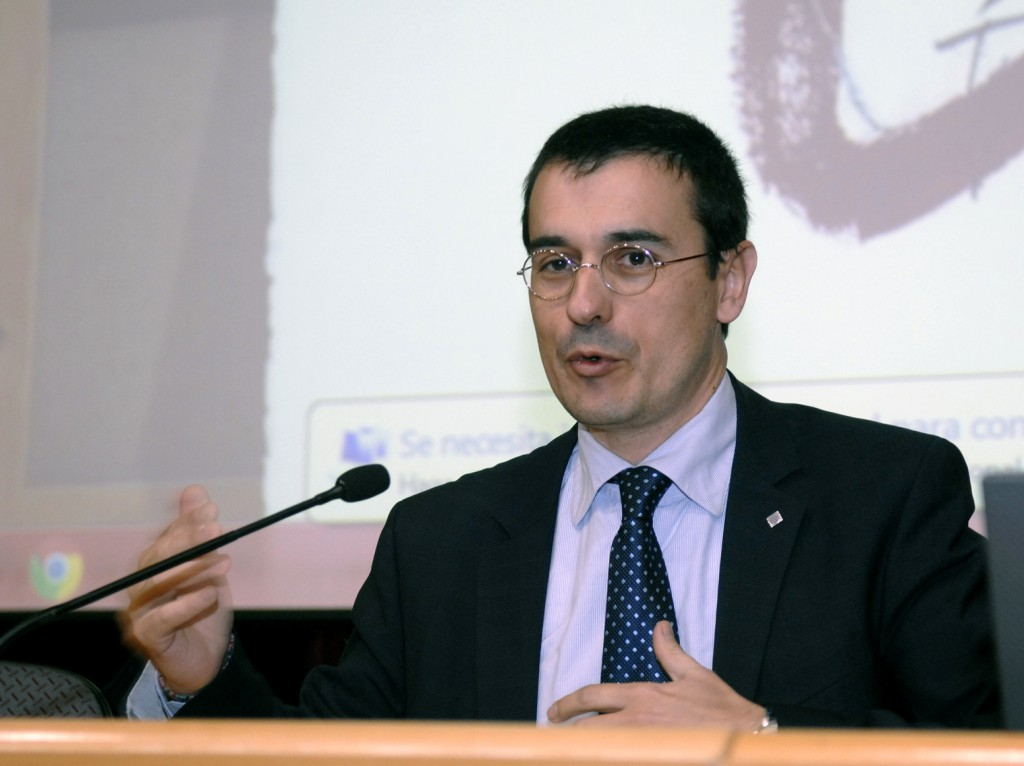 Mr. Altafaj during the talk
