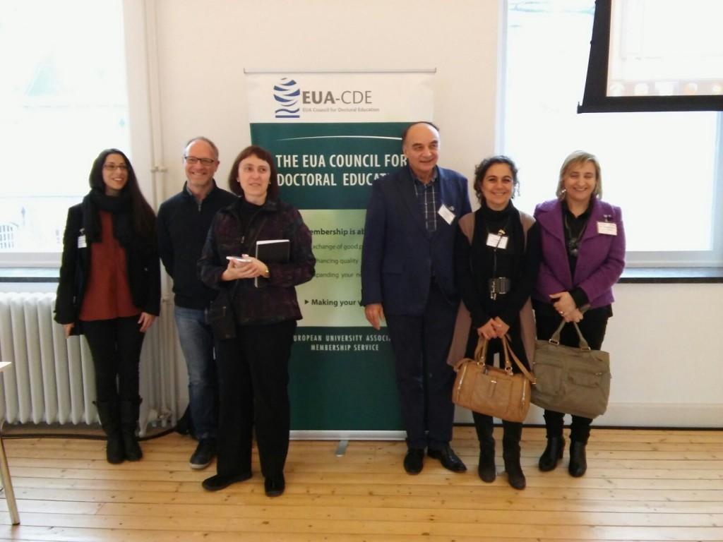 De izquierda a derecha, Alexandra Samper, Joan J. Carvajal, Mireia Valverde, Helmut Brentel, Mar Reguero y Ercilia García, participantes en el Seminario.