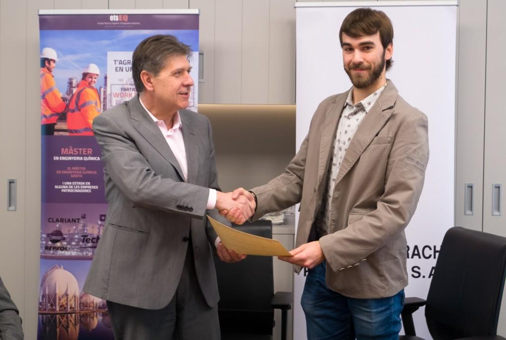 Josep M. Chillida, gerent de BSP, amb l'estudiant premiat Rubén Molina.