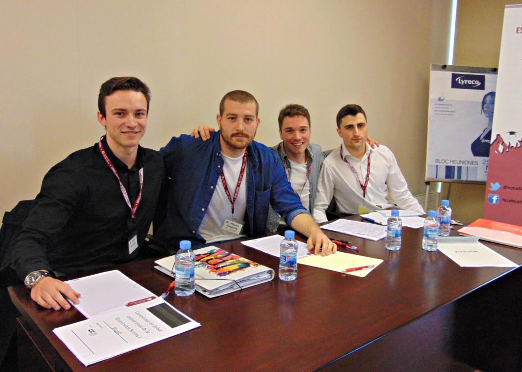 Integrants de Babilon, el grup guanyador de la IV Lliga de Debat Universitari de la URV.