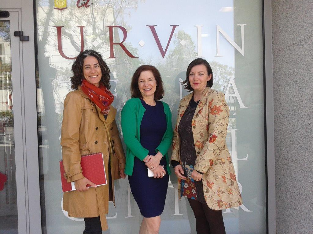 From left to right, Blanca Domingo (Lifelong Learning Center - FURV), Allison Witt (UIUC) and Alexandra Godeanu (I-Center).