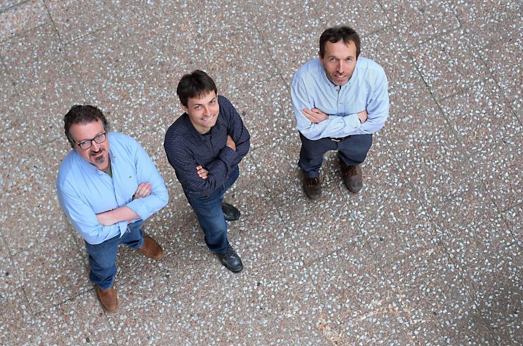 Los investigadores Sergio Martínez, David Sánchez y Josep Domingo-Ferrer.