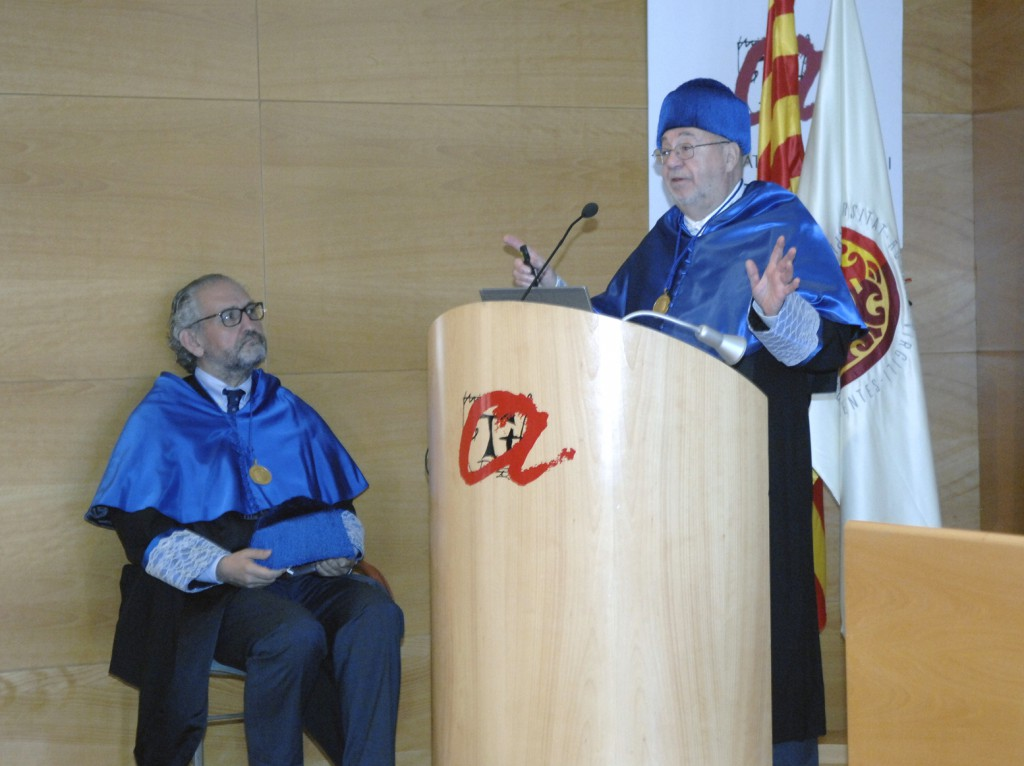H. Scott Fogler during his speech, accompanied by Professor Azael Fabregat