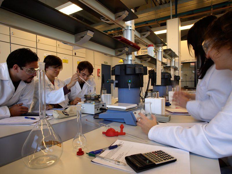 Universitat Rovira i Virgili, campus Sescelades, Tarragona. Chemistry Faculty and Oenology Faculty.
