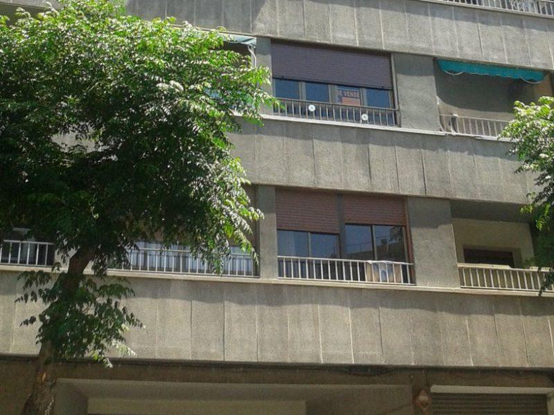 L'estudi s'ha fet a partir dels habitatges de segona mà publicats als portals immobiliaris.