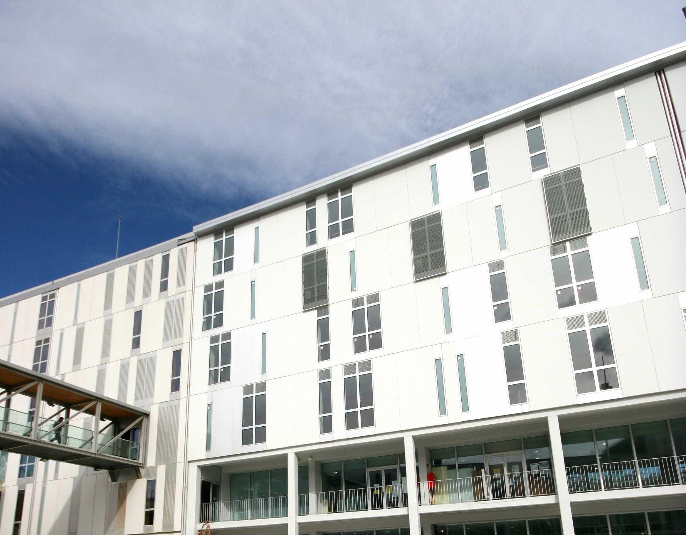 El projecte de trasllat d'Educació contempla l'ampliació de l'edifici de l'aulari del campus Catalunya.