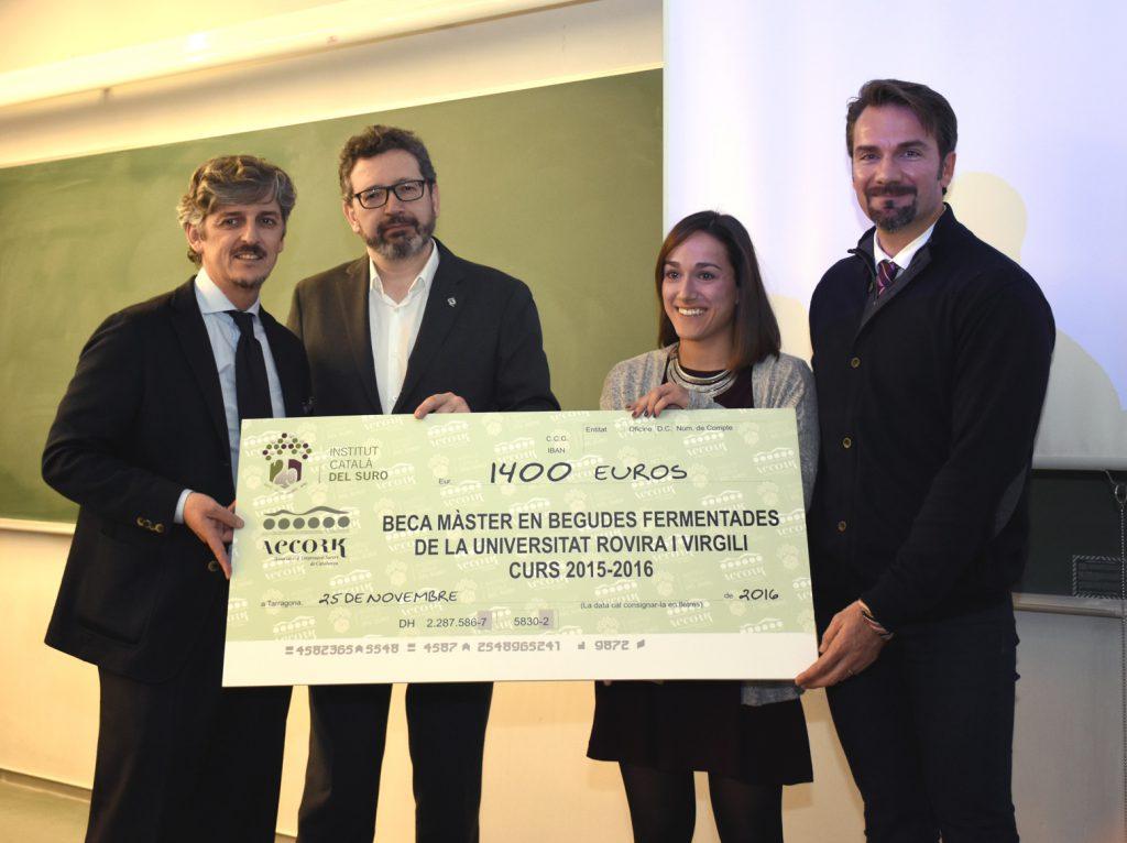 Patricia Cereceda ha guanyat la beca de l'Institut Català del Suro i AECORK.