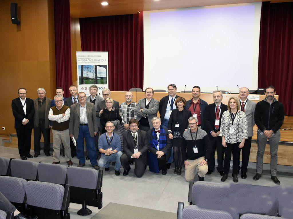 Foto de família de ponents al Congrés.
