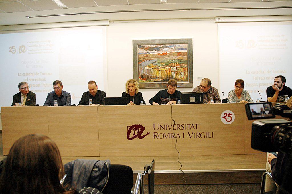 La Jornada va incloure una taula rodona en la qual hi van participar científics i representants d'institucions