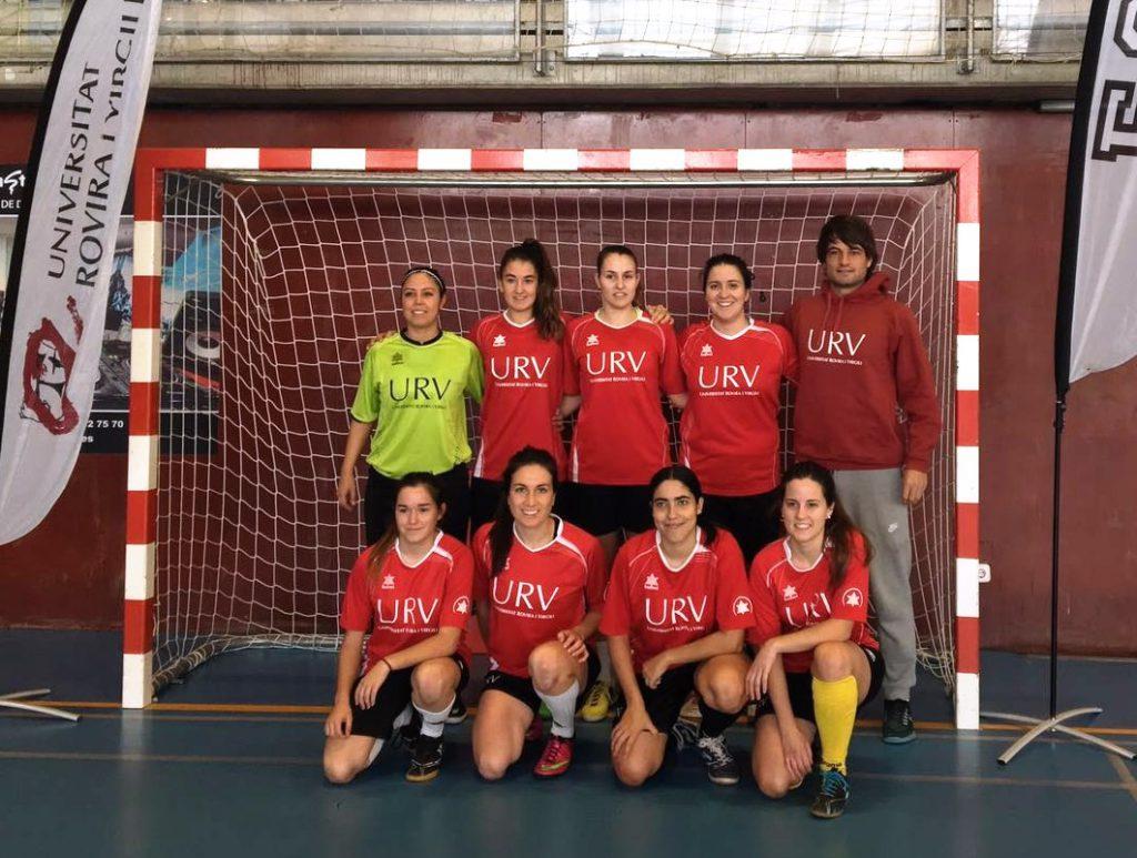 Components de l'equip de futbol sala femení 2016-17.
