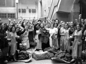 Dones en una indústria durant la Guerra Civil.