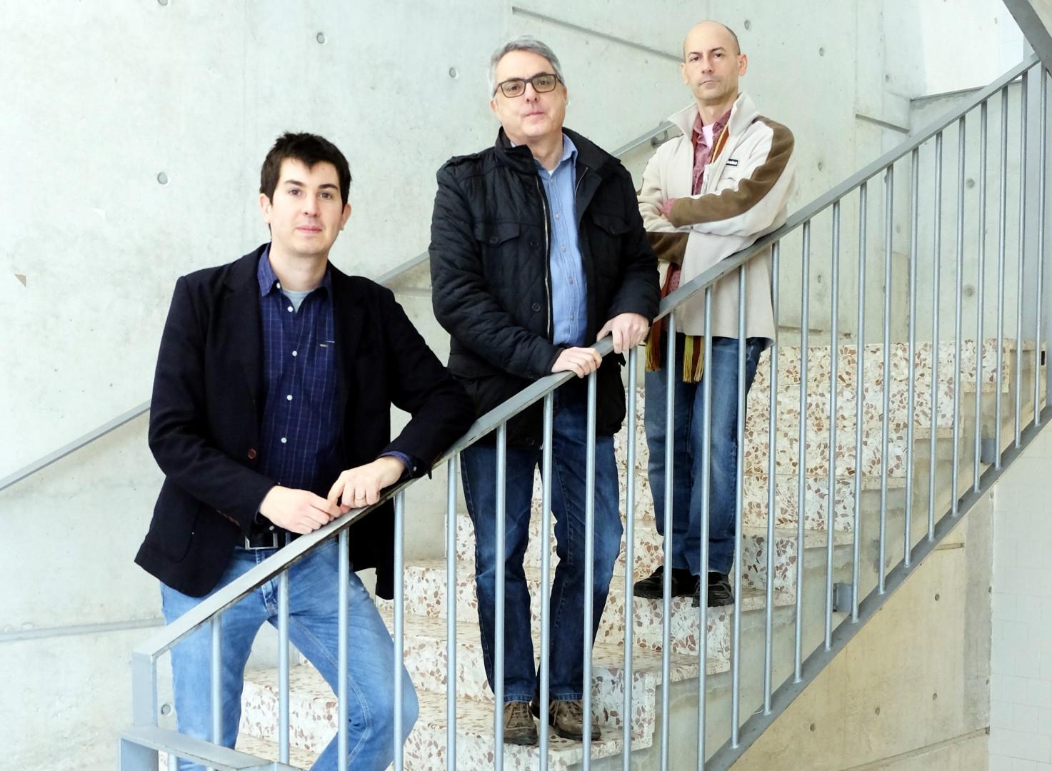 D'esquerra a dreta, els investigadors Albert Samper, Genaro González i Blas Herrera.