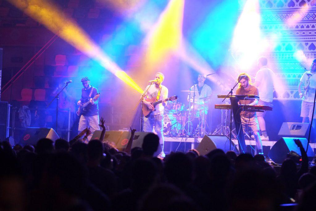 El grup Oques Grasses va fer vibrar el públic amb la seva música.