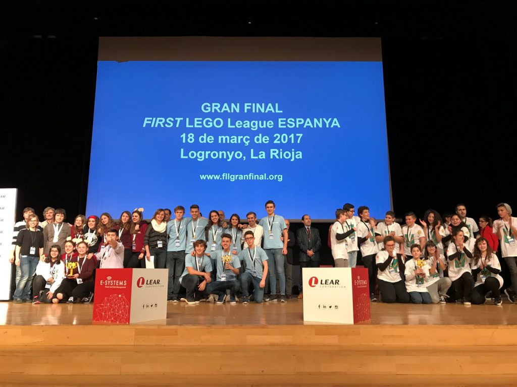 Imatge de tots els premiats.