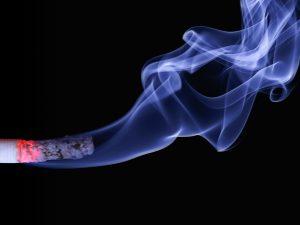 El tabaquisme passiu afecta el desenvolupament del nadó de la mateixa manera que l'actiu.