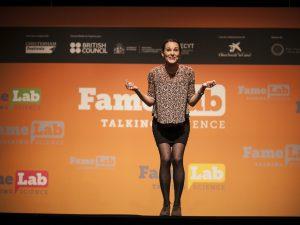 Judit Morlà, durant la seva actuació a la semifinal, al Teatre Poliorama de Barcelona.