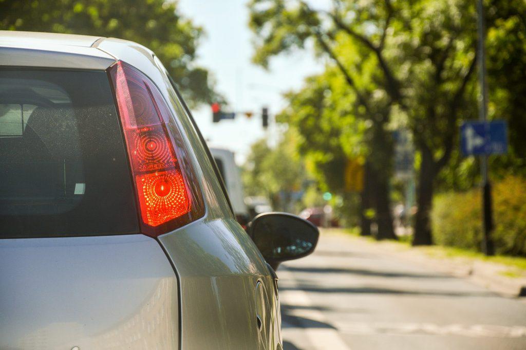 Cada vegada hi ha més ciutats que limiten el trànsit al centre urbà.
