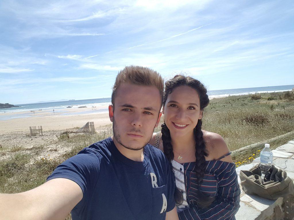 Luuk Koper amb la seva parella Mina Alzubaidy, qui va venir amb ell per fer les seves pràctiques a la Facultat de Ciències de l'Educació i Psicologia