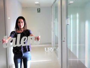 La investigadora Laura Rubió protagonitza un dels vídeos de la sèrie.