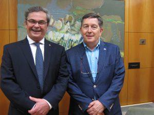 Miguel Alfredo Irigoyen, vicerector de la Universitat Nacional del Litoral , amb Josep Anton Ferré, rector de la URV.