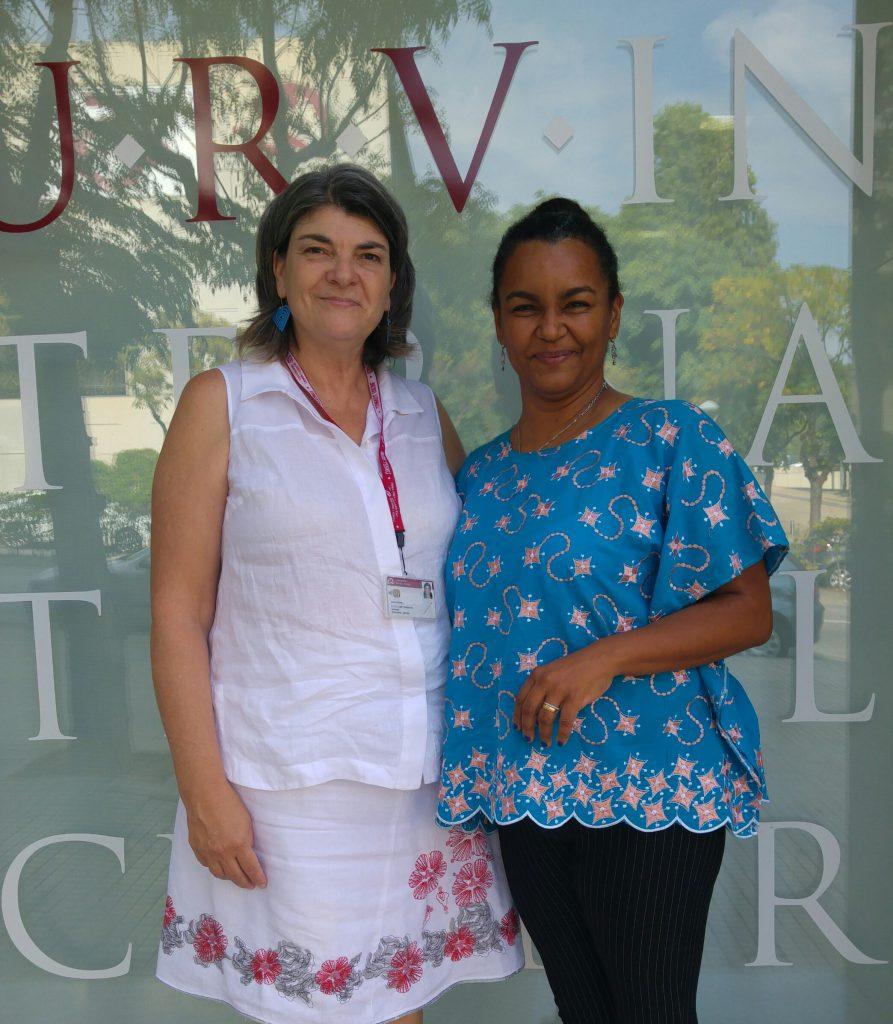 Janaina Soares, profesora adjunta de lengua española del departamento de Lenguas Extranjeras y Traducción de la UnB y Susana de Llobet del Centro Internacional de la URV