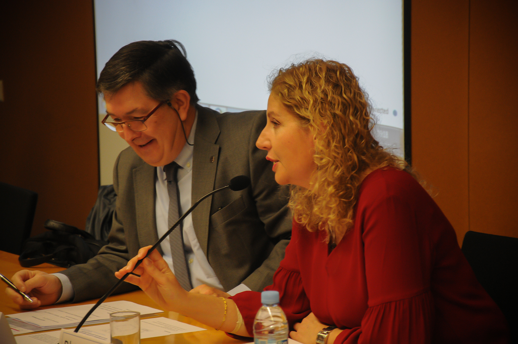 El rector de la URV, Josep Anton Ferré i la coordinadora del projecte, Blanca Deusdad.