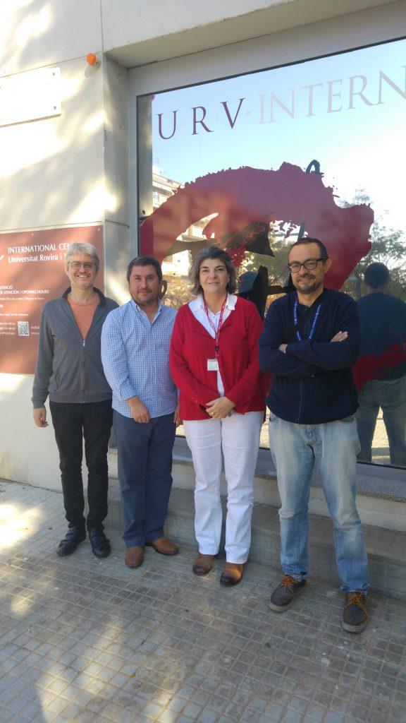 De izquierda a derecha, Jan Gonzalo, Arturo Vallejo, Susana de Llobet y Jordi Farré durante la visita al Centro Internacional