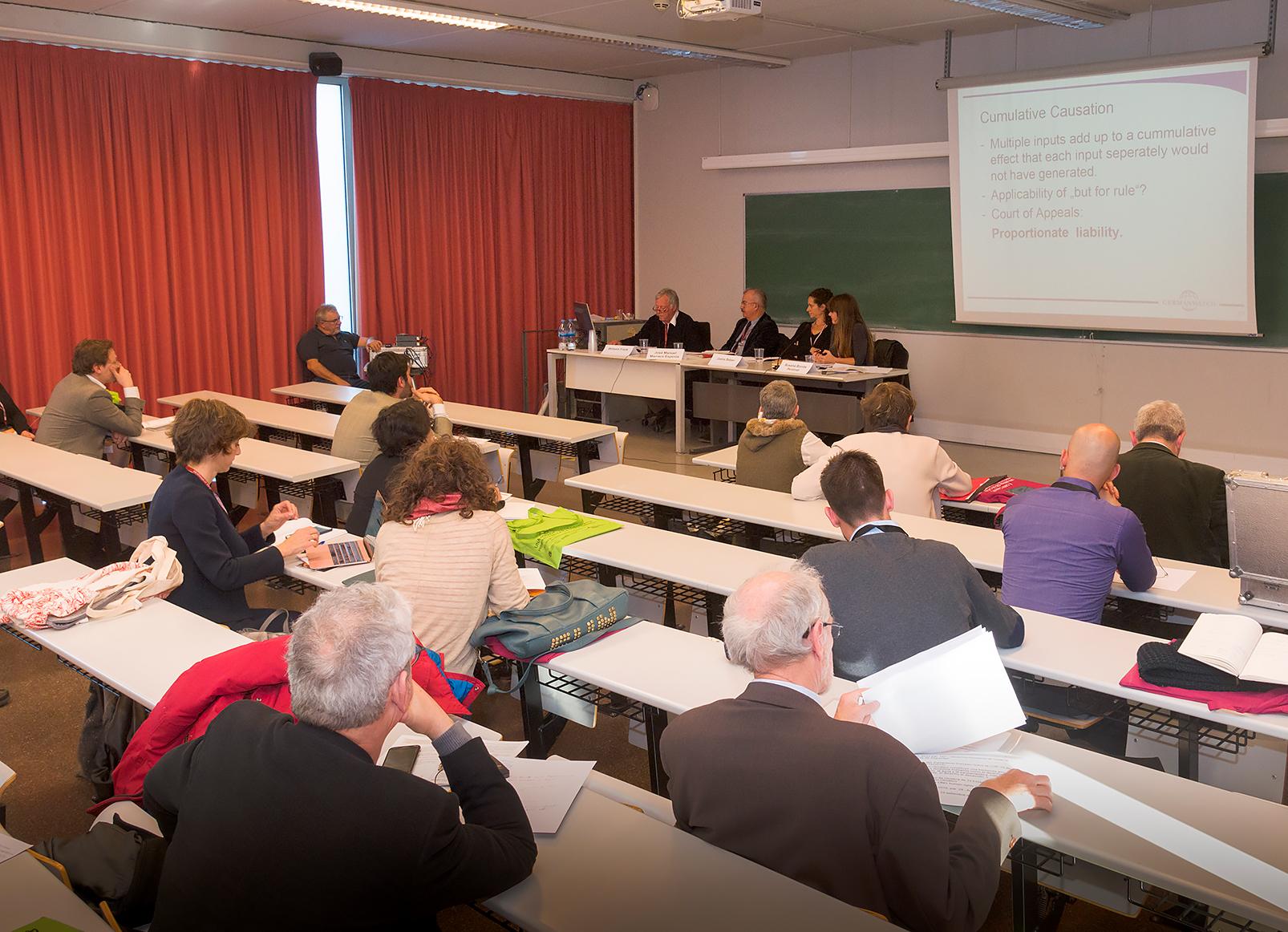 """Sessió simultània dedicada als """"Arguments i actors de la litigació climàtica""""."""