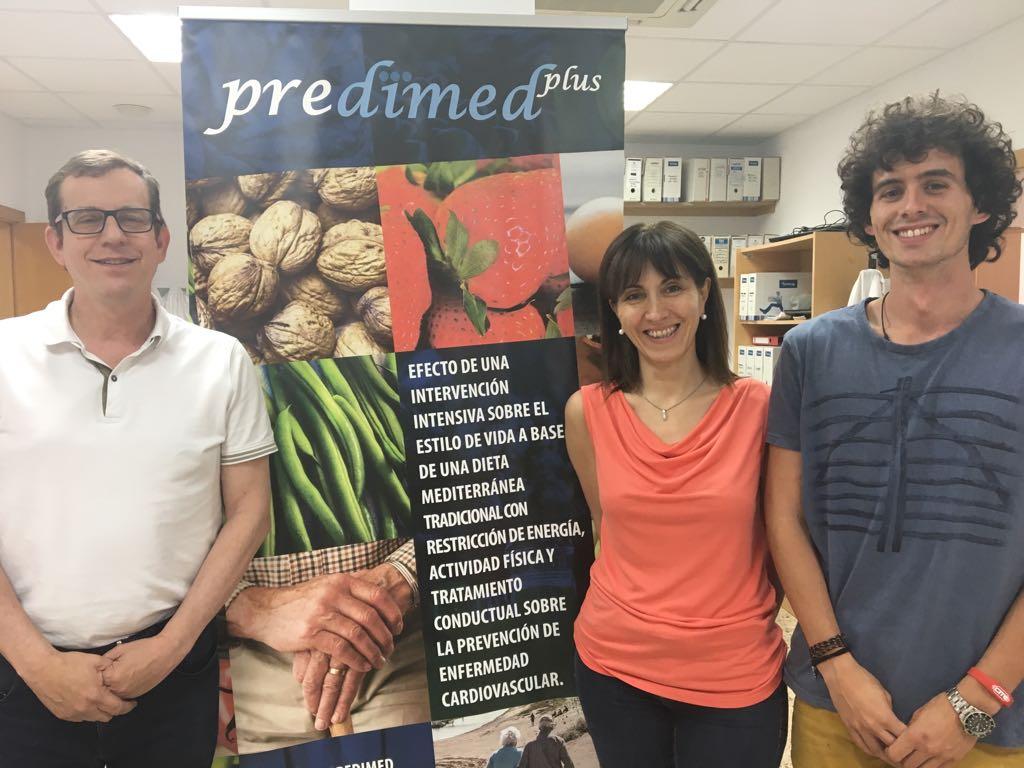 D'esquerra a dreta, Jordi Salas, Nancy Babio i Guillermo Mena, autors de l'estudi.