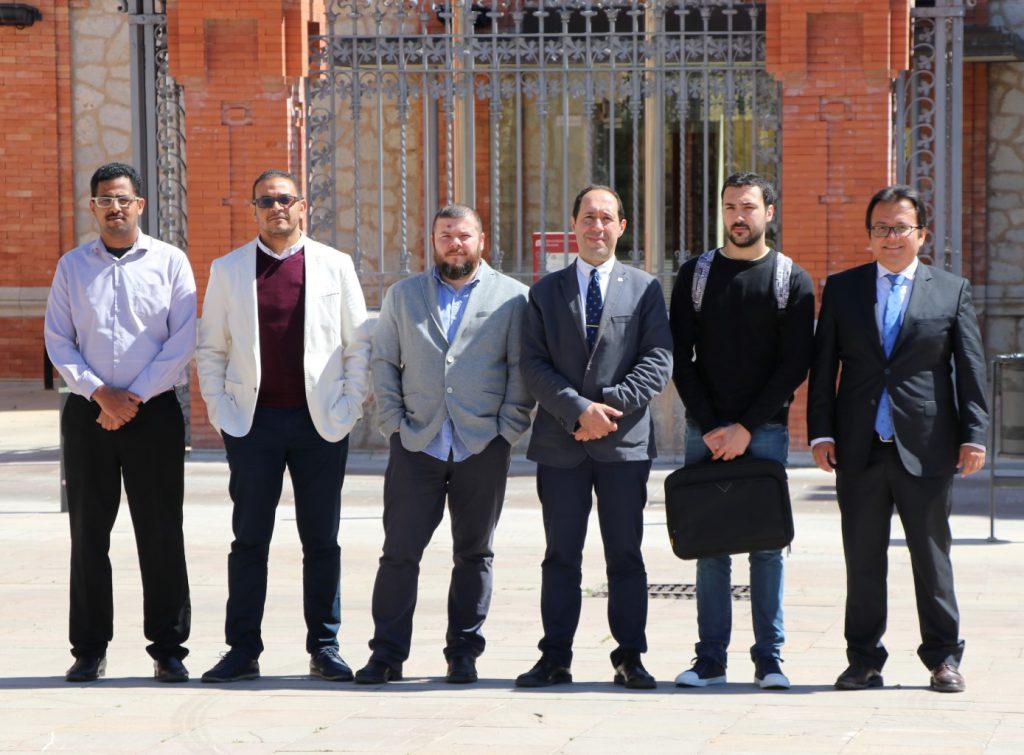 D'esquerra a dreta, Mohamed AbdelNasser, Hatem A. Rashwan, Bogdan Nae, Domènec Puig, Pau Puig i Julián Cristiano, l'equip emprenedor.