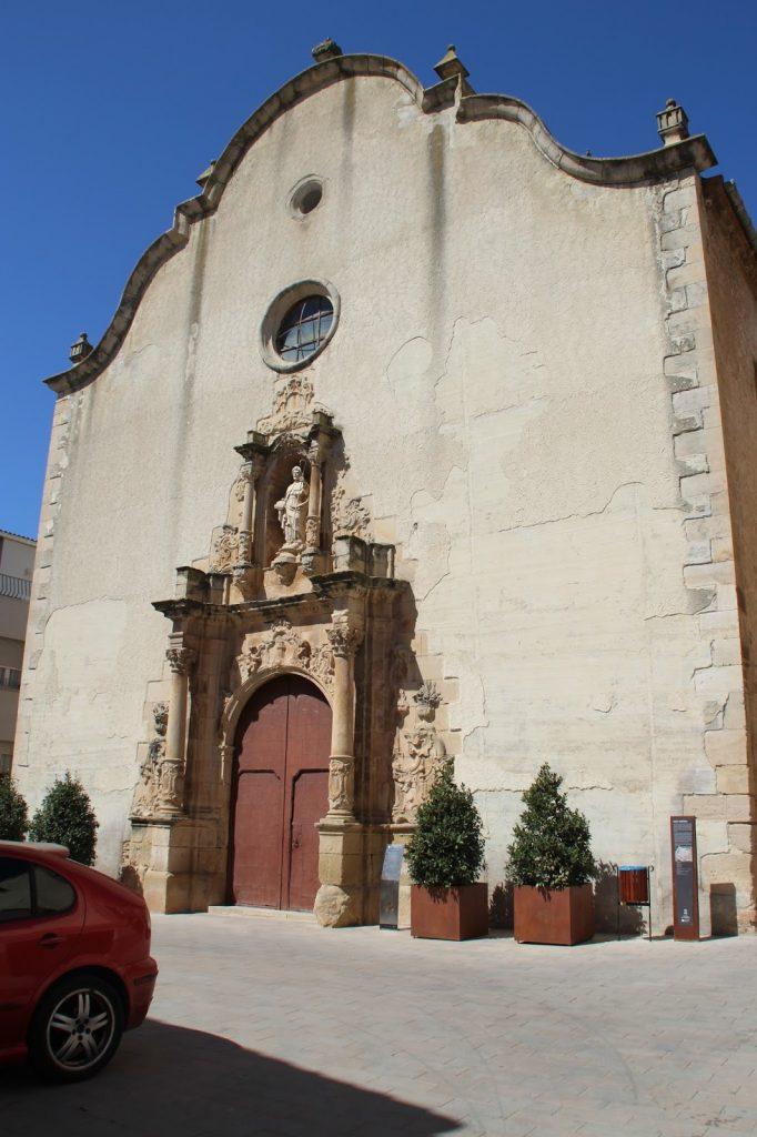 Façana de Església de Sant Jaume a Torre de l'Espanyol