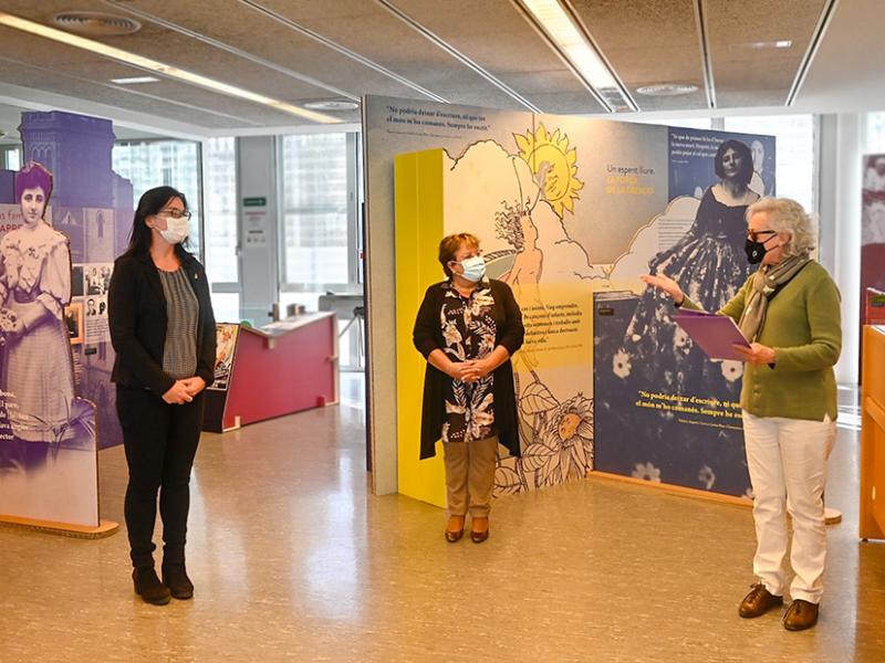 Inauguració de l'exposició Palmira Jaquetti al Campus Catalunya de la Universitat Rovira i Virgili amb Maria Àngels Blasco, María José Figueras i Carme Oriol